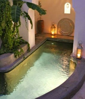 Minimalist small pool design with beautiful garden inside 17
