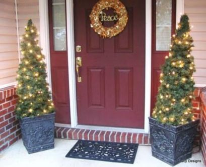 Perfect diy front porch christmas tree ideas on a budget 21