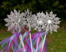 Popular winter wonderland snowflake decoration ideas 21