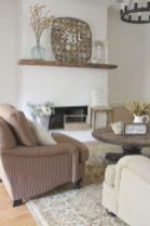Romantic rustic farmhouse living room decor ideas 02