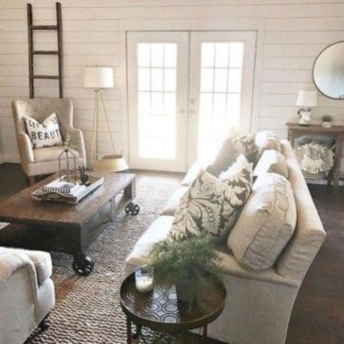 Romantic rustic farmhouse living room decor ideas 05