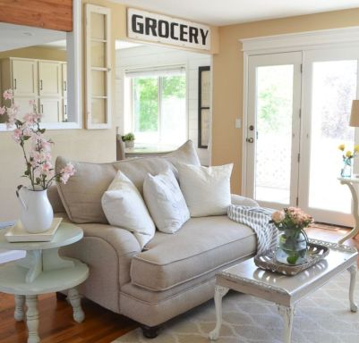 Romantic rustic farmhouse living room decor ideas 16