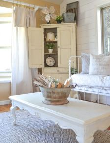 Romantic rustic farmhouse living room decor ideas 23