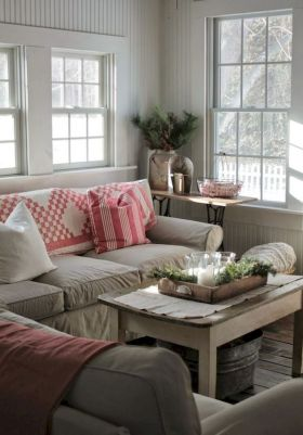 Romantic rustic farmhouse living room decor ideas 25