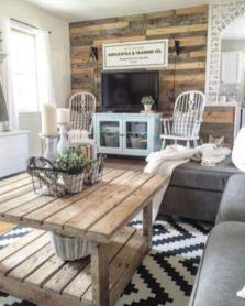 Romantic rustic farmhouse living room decor ideas 33