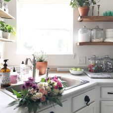 Simply apartment kitchen decorating ideas 08