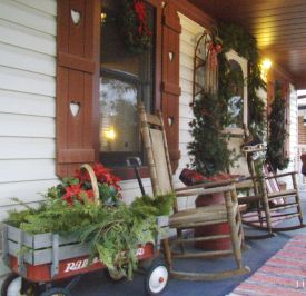 Stunning diy front porch christmas tree ideas on a budget 30
