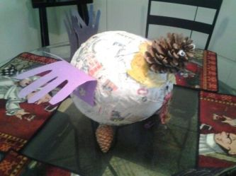Stunning paper mache ideas for thanksgiving to decorate your home 28