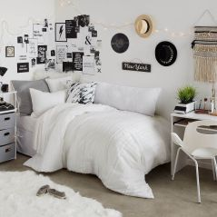 Stylish cool dorm rooms style decor ideas 17