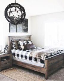 Cozy farmhouse master bedroom decoration ideas 26