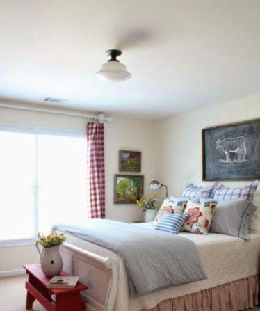 Cozy farmhouse master bedroom decoration ideas 39