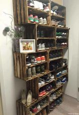 Creative ideas for repurposing old crates that are worth stealing 19