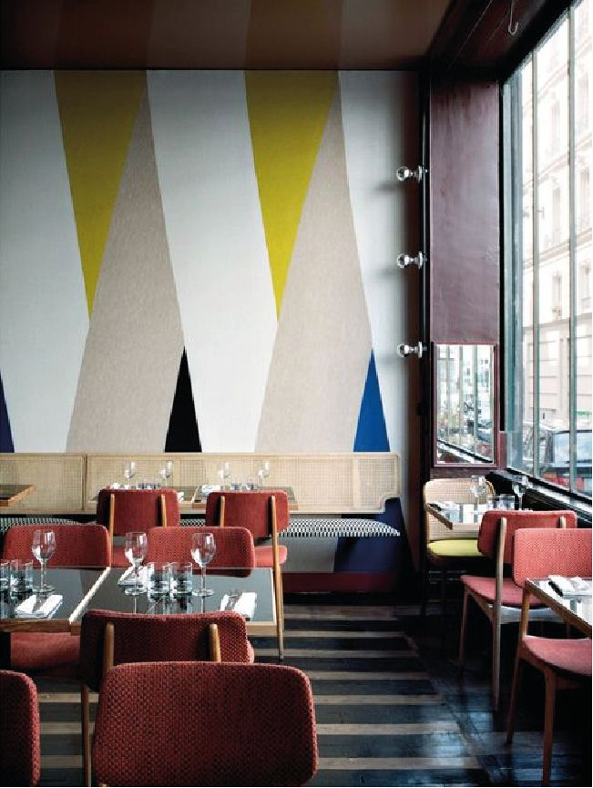 Fascinating striped walls living room designs ideas 07