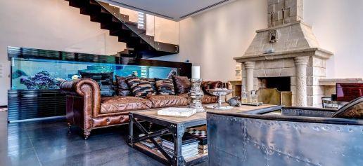 Fascinating striped walls living room designs ideas 09