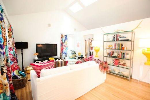 Fascinating striped walls living room designs ideas 16