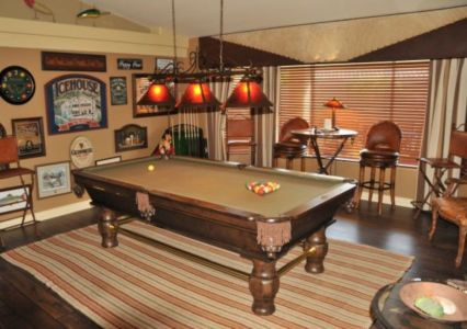 Impressive masculine game room decor ideas 16