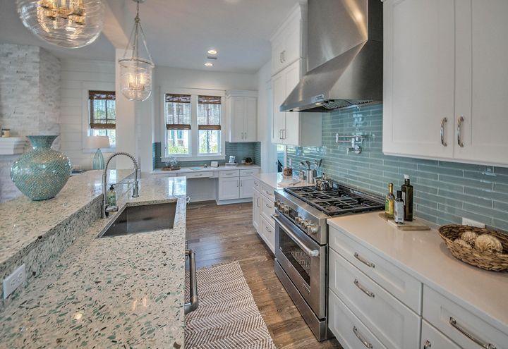 Inspiring coastal kitchen design ideas 29