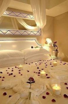 Inspiring valentine bedroom decor ideas for couples 12