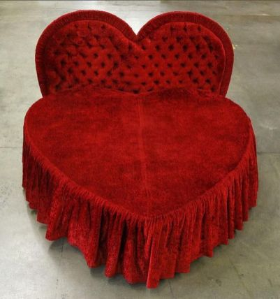 Inspiring valentine bedroom decor ideas for couples 13