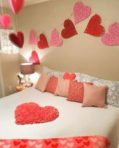 Inspiring valentine bedroom decor ideas for couples 16