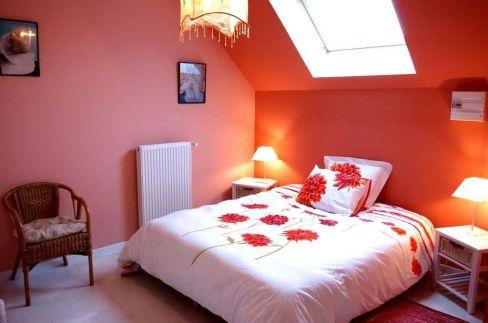 Inspiring valentine bedroom decor ideas for couples 27