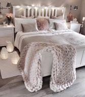 Lovely white bedroom decorating ideas for winter 22