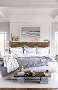 Lovely white bedroom decorating ideas for winter 26