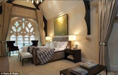 Pretty bedroom designs ideas with exposed wooden beams 09