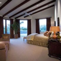 Pretty bedroom designs ideas with exposed wooden beams 33