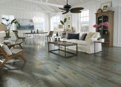 Stylish coastal living room decoration ideas 18