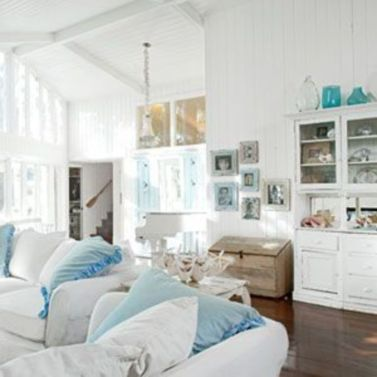 Stylish coastal living room decoration ideas 22