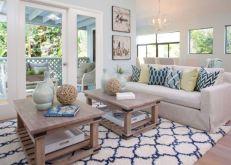 Stylish coastal living room decoration ideas 27