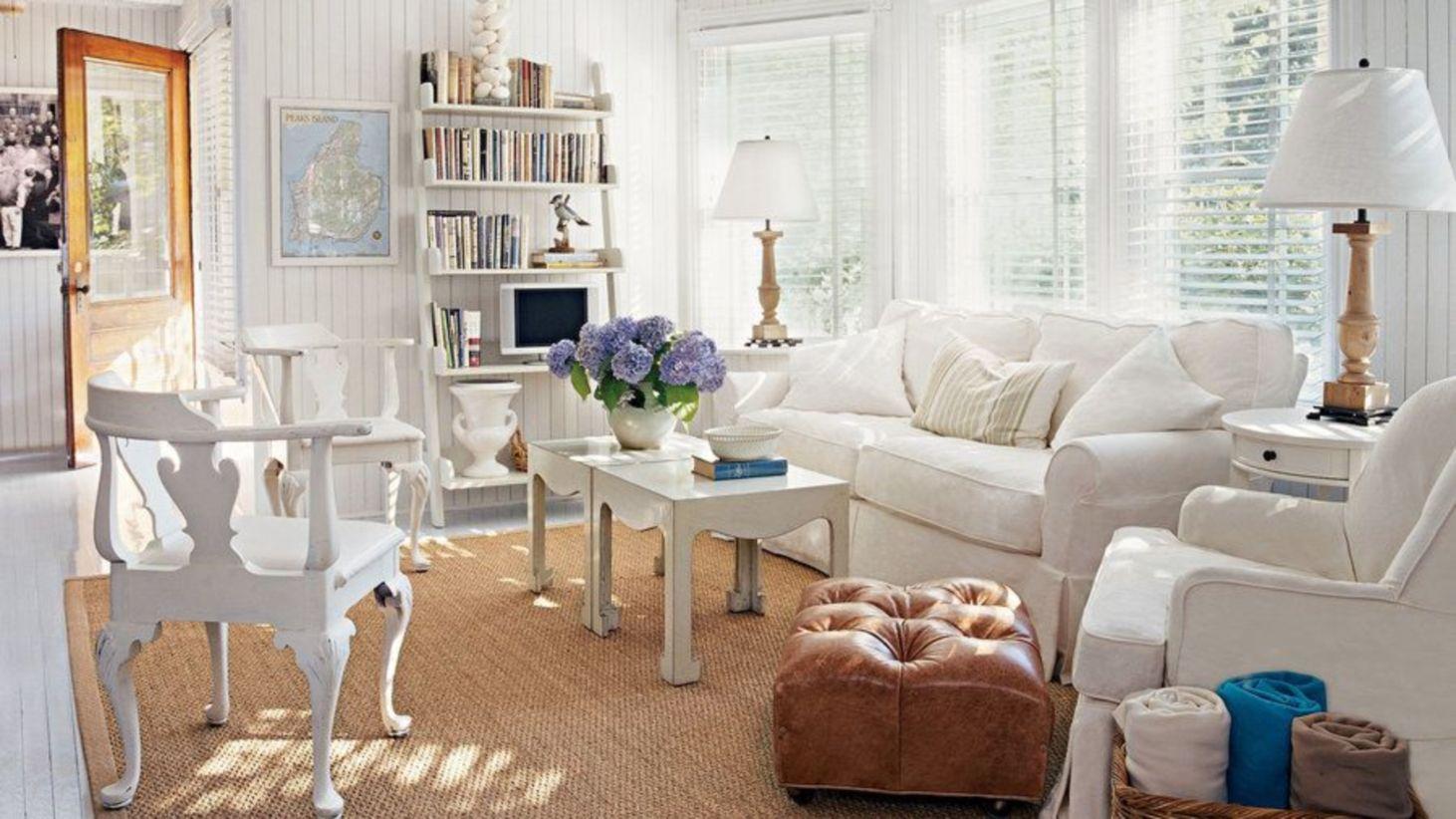 Stylish coastal living room decoration ideas 44