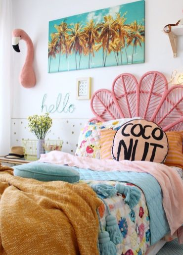 Charming fun tween bedroom ideas for girl 29