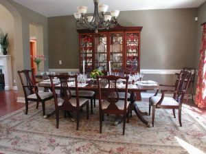 Comfy formal table centerpieces decorating ideas for dining room 04