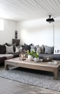 Creative coffee table design ideas for living room 07