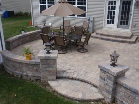 Elegant backyard landscaping ideas using bricks 01