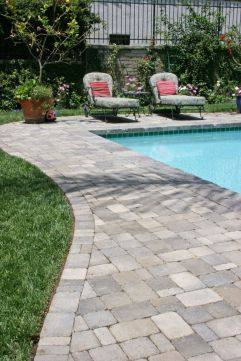 Elegant backyard landscaping ideas using bricks 02