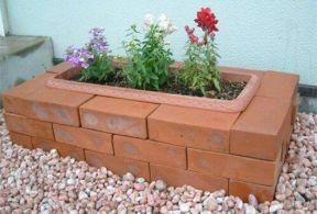 Elegant backyard landscaping ideas using bricks 05