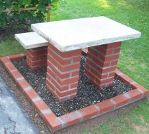 Elegant backyard landscaping ideas using bricks 14