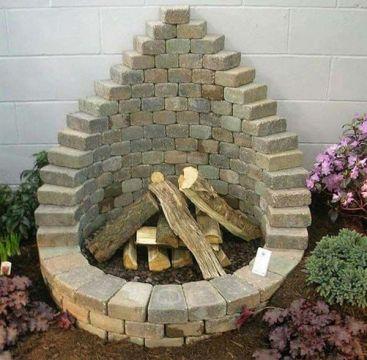 Elegant backyard landscaping ideas using bricks 29