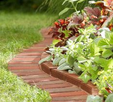 Elegant backyard landscaping ideas using bricks 46