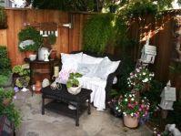 Modern small outdoor patio design decorating ideas 06