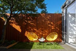Modern small outdoor patio design decorating ideas 20