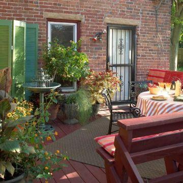 Modern small outdoor patio design decorating ideas 27