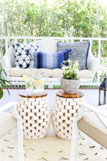 Modern small outdoor patio design decorating ideas 34
