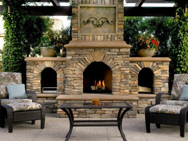 Romantic rustic outdoor kitchen designs with fireplace 09