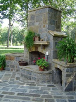 Romantic rustic outdoor kitchen designs with fireplace 11