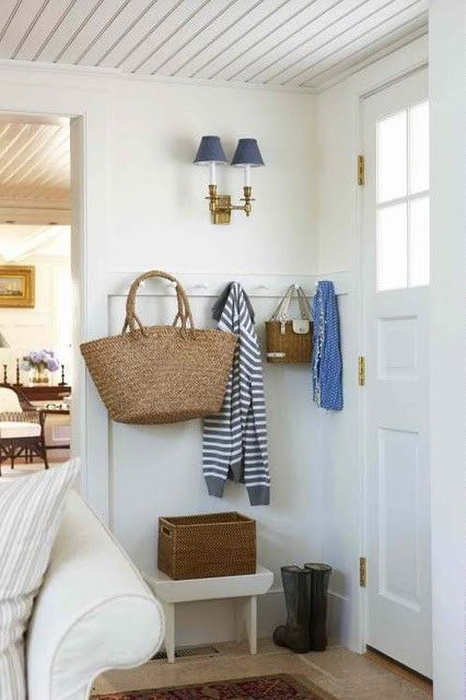 Adorable simple entryway decorating ideas for small spaces 05