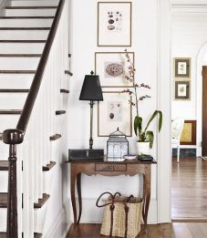 Adorable simple entryway decorating ideas for small spaces 21